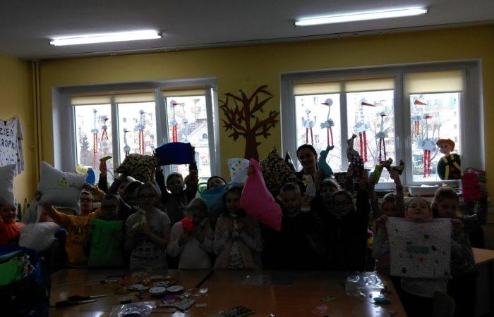 warsztaty krawieckie dla dzieci września, kursy krawieckie Środa Wielkopolska, nauka szycia, bajeczne krawiectwo